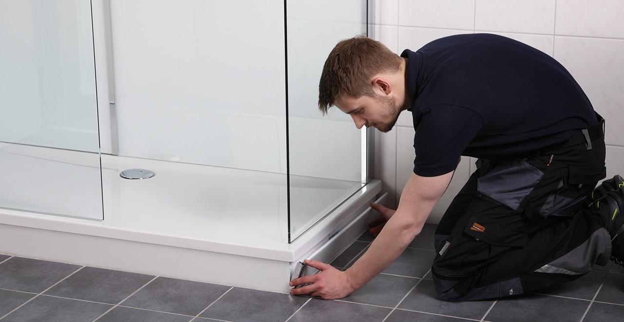 Dusche auf Wanne Anleitung Anbringung Verblendung Duschwanne