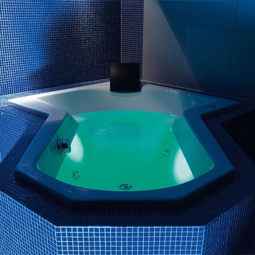 Farblichttherapie Lichttherapie Badewanne