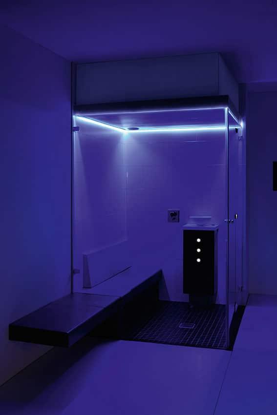 Farblichttherapie indirektes Farblichtsystem lila