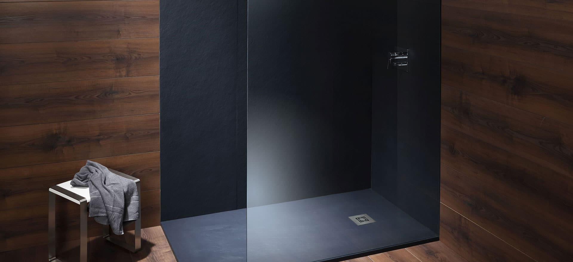 Mineralwerkstoff Wandpaneele – die Duschrückwand ohne Fliesen