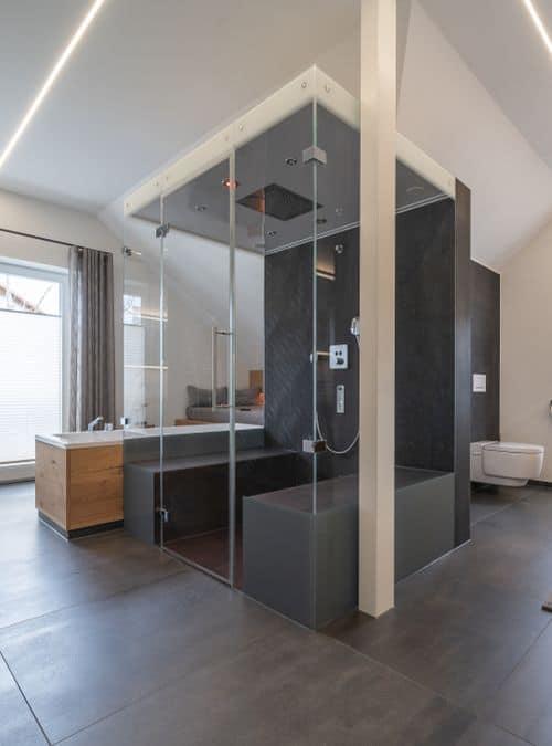 Dusche wird zum großzügigen Dampfbad Zuhause