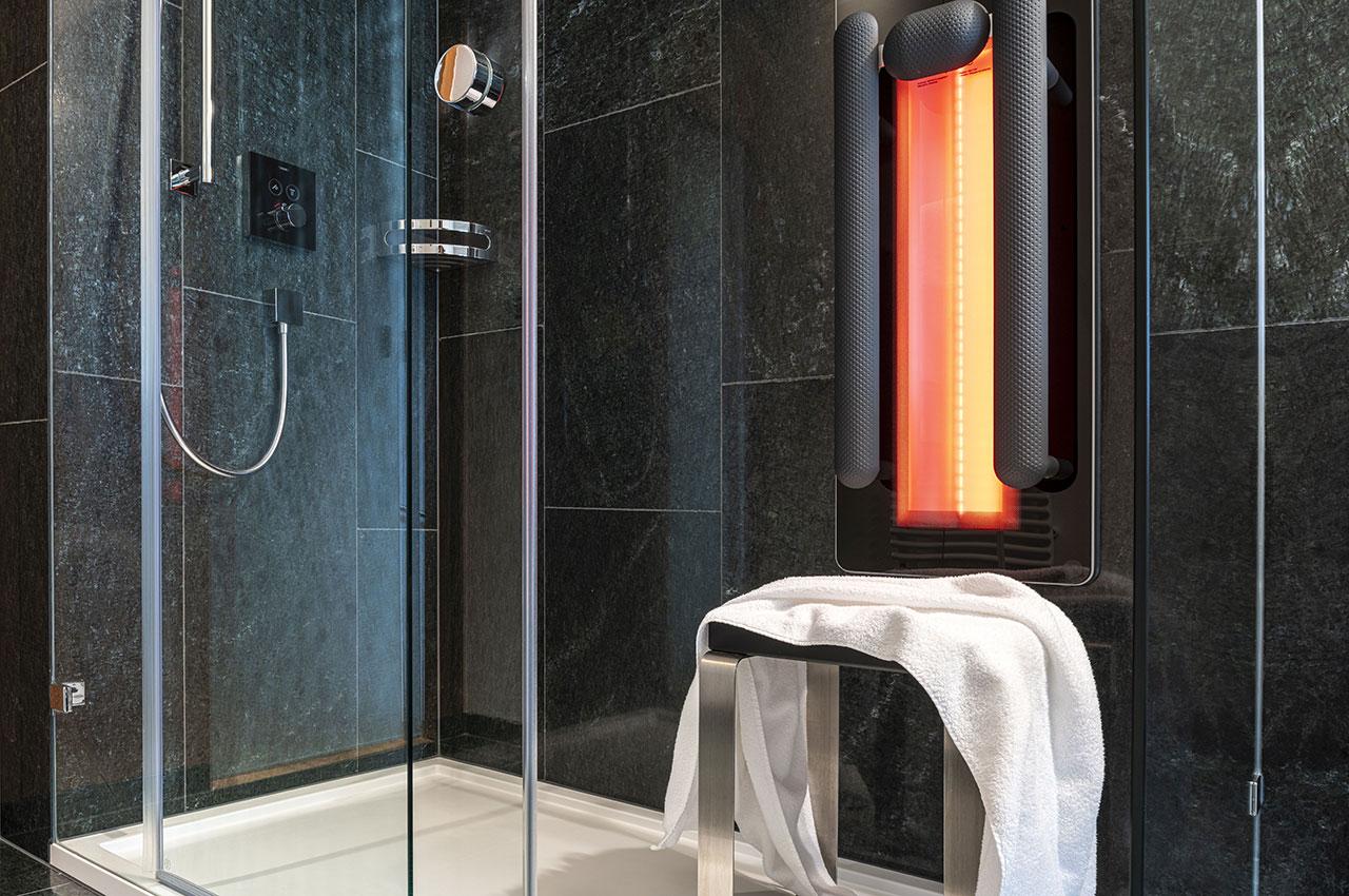 Infrarotdusche Bilbao im Hotelbadezimmer im Gasthaus Krone La Punt Schweiz
